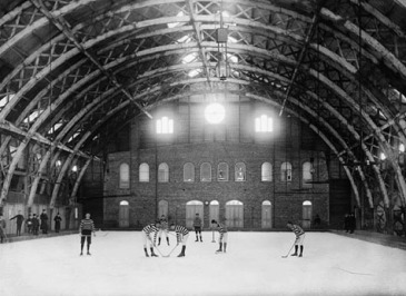 Hockey team playing on an indoor rink, Québec City, Quebec, Undated. National Archives of Canada/Jules-Ernest Livernois Collection/PA-024066
